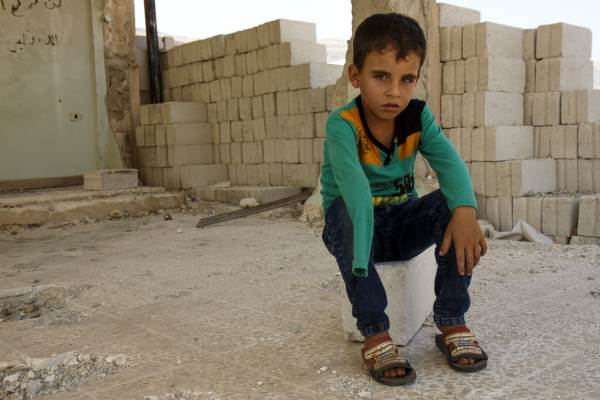Khalid mistet hånda etter et rakettangrep på skolen der mange ble skadet og flere ble drept.